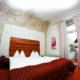 Modernes und komfortables Zimmer für Zwei.
