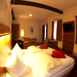 Fühlen Sie sich wohl in unseren Komfort Zimmern.