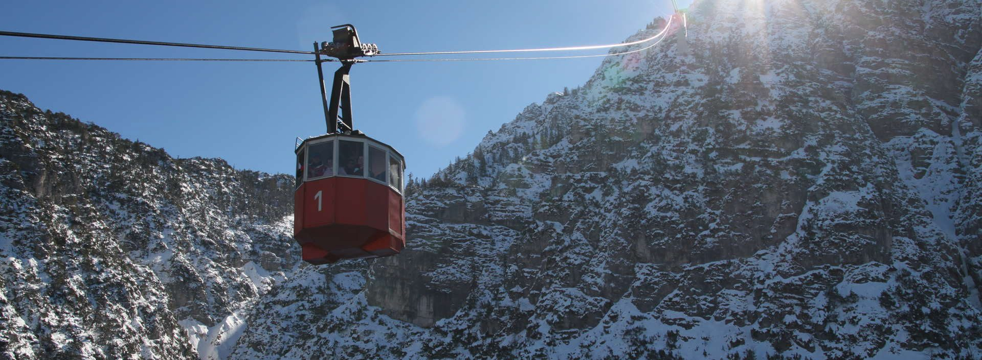 Hotel_Almrausch_a-z_predigtstuhlbahn-winter