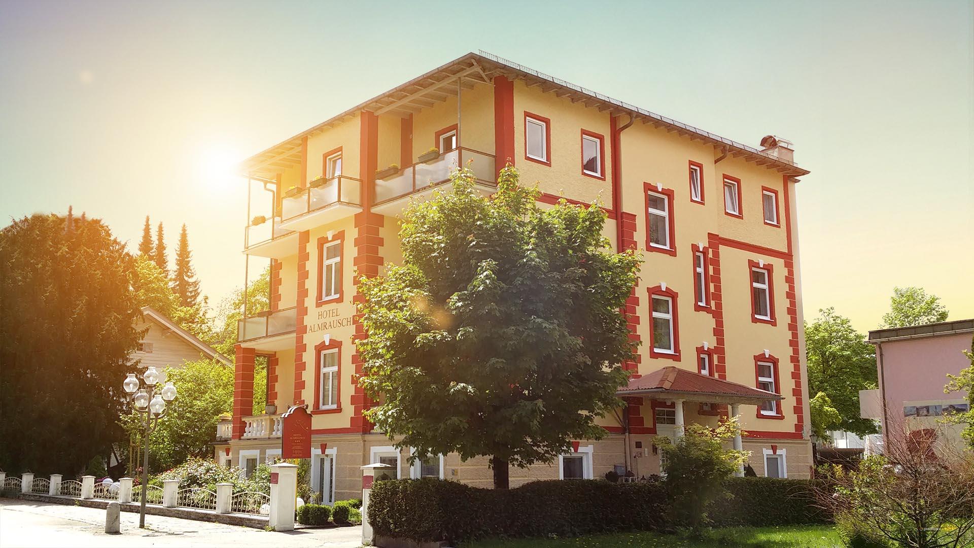 Vorderansicht des Hotels im schönen Bad Reichenhall