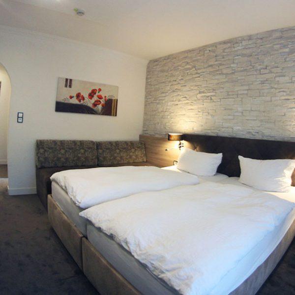 Hotel Almrausch in Bad Reichenhall - Ihr 3 Sterne Hotel im Süden Bayerns - Zimmer Doppelzimmer 23 im Rosenhaus Innenaufnahme