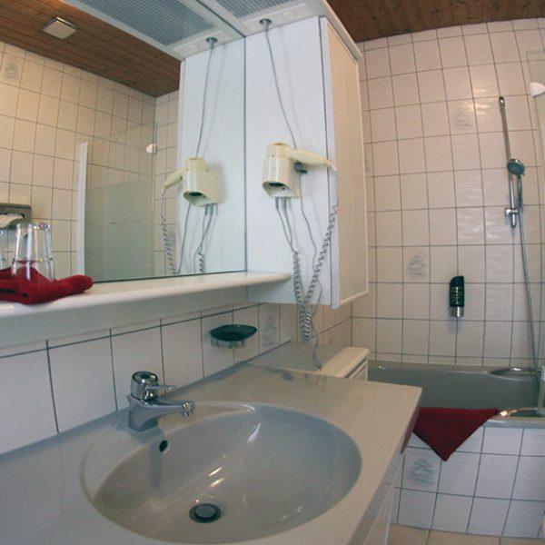 Hotel Almrausch in Bad Reichenhall - Ihr 3 Sterne Hotel im Süden Bayerns - Zimmer Doppelzimmer Komfort 11 Innenaufnahme