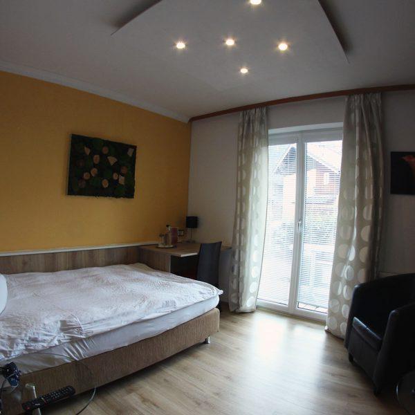 Hotel Almrausch in Bad Reichenhall - Ihr 3 Sterne Hotel im Süden Bayerns - Zimmer Einzelzimmer 17 im Rosenhaus Innenaufnahme