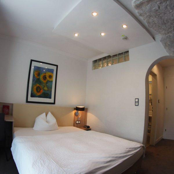 Hotel Almrausch in Bad Reichenhall - Ihr 3 Sterne Hotel im Süden Bayerns - Zimmer Einzelzimmer 20 im Rosenhaus Innenaufnahme